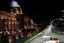 Motorsports / Formula 1: World Championship 2010, GP of Singapore, 05 Sebastian Vettel (GER, Red Bull Racing),  town hall, Rathaus