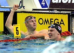 10-04-2014 NED: NK Swim Cup, Eindhoven<br /> (L-R) Erik Persson SWE, Sebas van Lith, 400m wissel