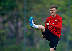 NANNING, CHINA - Sunday, March 25, 2018: Wales' Lee Evans during a training session at the Guangxi Sports Centre ahead of the 2018 Gree China Cup International Football Championship final match against Uruguay. (Pic by David Rawcliffe/Propaganda)