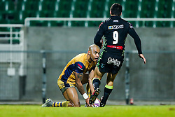Tom Varndell of Bristol Rugby scores his try of the match - Rogan Thomson/JMP - 16/12/2016 - RUGBY UNION - Stade du Hameau - Pau, France - Pau v Bristol Rugby - EPCR Challenge Cup.