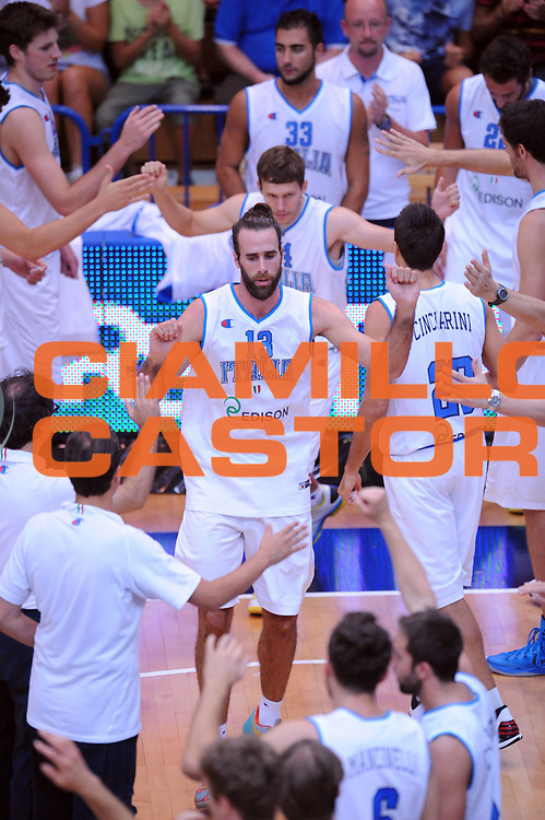 DESCRIZIONE : Trento Trentino Basket Cup Italia Israele<br /> GIOCATORE : Luigi Datome<br /> CATEGORIA : Presentazione<br /> SQUADRA : Nazionale Italia Maschile<br /> EVENTO :  Trento Trentino Basket Cup<br /> GARA : Italia Israele<br /> DATA : 08/08/2013<br /> SPORT : Pallacanestro<br /> AUTORE : Agenzia Ciamillo-Castoria/Max.Ceretti<br /> Galleria : FIP Nazionali 2013<br /> Fotonotizia : Trento Trentino Basket Cup Italia Israele<br /> Predefinita :