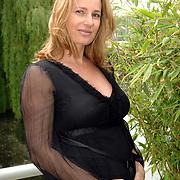 NLD/Amsterdam/20070509 - CD presentatie Bart Bosch, zwangere Claudia van Zweden