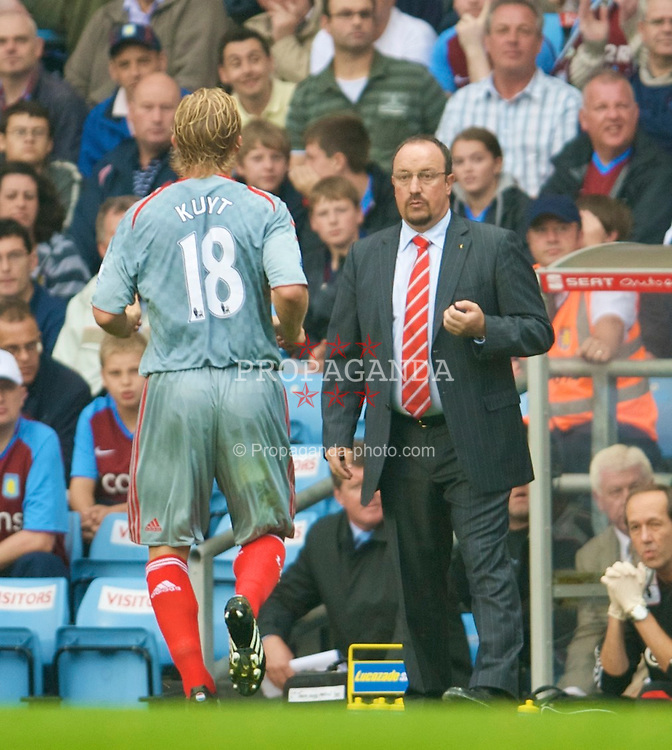 BIRMINGHAM, ENGLAND - Sunday, August 31, 2008: Liverpool's manager Rafael Benitez and Dirk Kuyt during the Premiership match against Aston Villa at Villa Park. (Photo by David Rawcliffe/Propaganda)