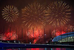 23.02.2014, Olympiapark, Adler, RUS, Sochi 2014, Abschlussfeier, im Bild Feuerwerk // firework during the closing Ceremony of the Olympic Winter Games Sochi 2014 at the Olypic Park in Adler, Russia on 2014/02/23. EXPA Pictures © 2014, PhotoCredit: EXPA/ Johann Groder