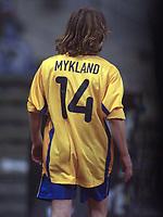 Fotball: 05.12.2000 München, Deutschland,<br />UEFA Pokal Rückspiel, TSV 1860 München - AC Parma,<br />Münchens Erik Mykland verlösst nach roter Karte den Platz.<br /><br />Foto: Digitalsport