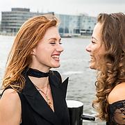 NLD/Amsterdam/20170928 - Perspresentatie De Spa, Eva Bartels in gesprek met Nzinga Sordam