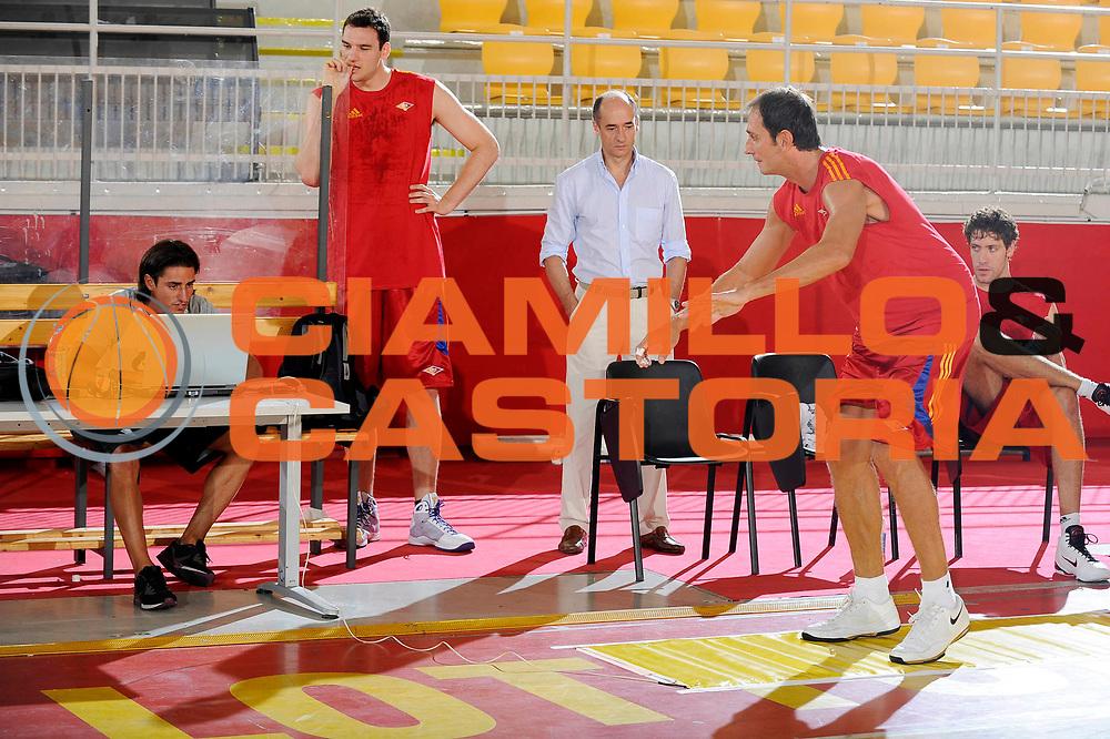 DESCRIZIONE : Roma Lega A 2009-10 Basket Lottomatica Virtus Roma  Allenamento<br /> GIOCATORE : Alessandro Tonolli Paolo Montera<br /> SQUADRA : Lottomatica Virtus Roma<br /> EVENTO : Campionato Lega A 2009-2010 <br /> GARA : <br /> DATA : 29/08/2009<br /> CATEGORIA : Allenamento<br /> SPORT : Pallacanestro <br /> AUTORE : Agenzia Ciamillo-Castoria/G.Ciamillo<br /> Galleria : Lega Basket A 2009-2010 <br /> Fotonotizia : Roma Lega A 2009-10 Basket Lottomatica Virtus Roma Allenamento<br /> Predefinita :