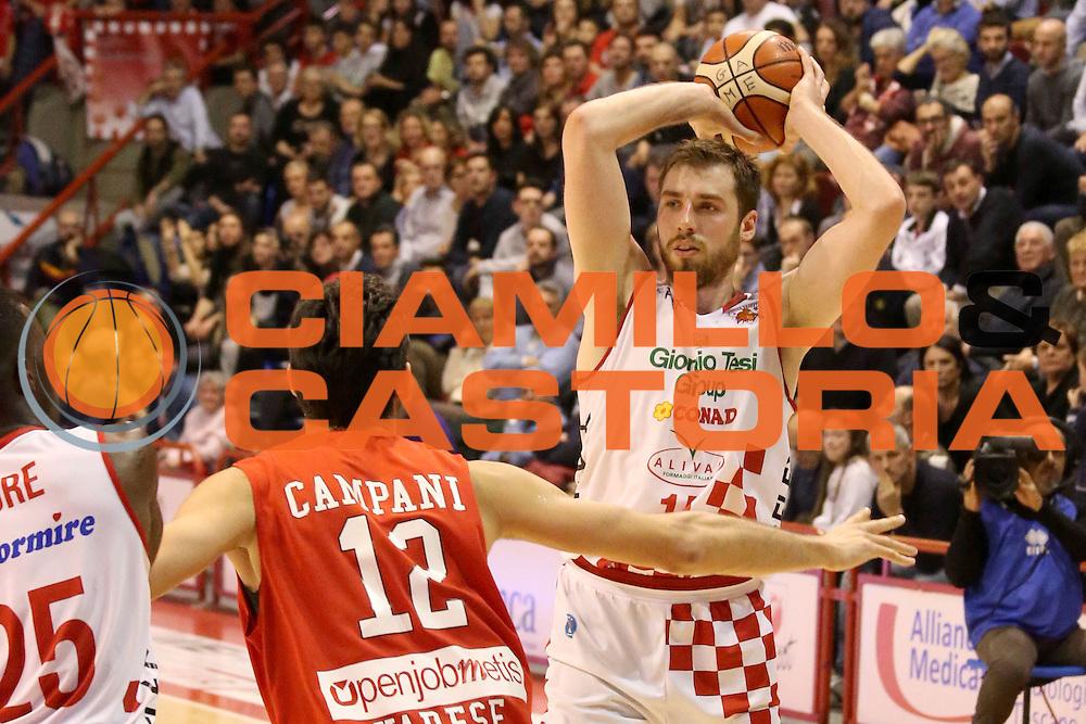 DESCRIZIONE : Campionato 2015/16 Giorgio Tesi Group Pistoia - Openjobmetis Varese<br /> GIOCATORE : Czyz Aleksander<br /> CATEGORIA : Passaggio<br /> SQUADRA : Giorgio Tesi Group Pistoia<br /> EVENTO : LegaBasket Serie A Beko 2015/2016<br /> GARA : Giorgio Tesi Group Pistoia - Openjobmetis Varese<br /> DATA : 13/12/2015<br /> SPORT : Pallacanestro <br /> AUTORE : Agenzia Ciamillo-Castoria/S.D'Errico<br /> Galleria : LegaBasket Serie A Beko 2015/2016<br /> Fotonotizia : Campionato 2015/16 Giorgio Tesi Group Pistoia - Openjobmetis Varese<br /> Predefinita :