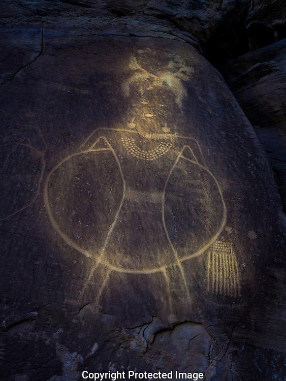 Dry Fork Canyon, Petroglyph, Vernal Classic Fremont style, Navajo Formation Sandstone, McKonkie Ranch, near Vernal, Utah