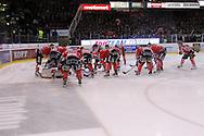 24.4.2013, Isometsän jäähalli, Pori..Jääkiekon SM-liiga 2012-13. Playoffsit, 6. loppuottelu, Ässät - Tappara.Ässät oman maalin luona ennen ottelun alkua.