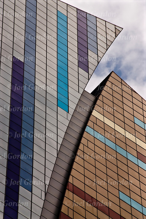 Skysharper buliding architectural details, 42nd Street NE corner