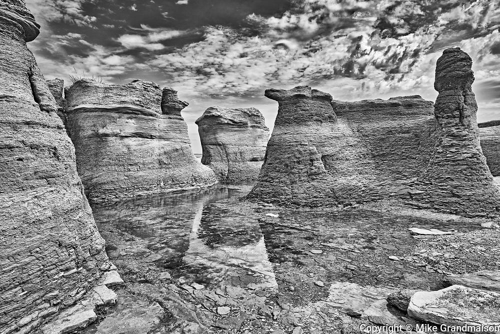 Monolith on île Nue de Mingan <br />Mingan Archipelago National Park Reserve<br />Quebec<br />Canada