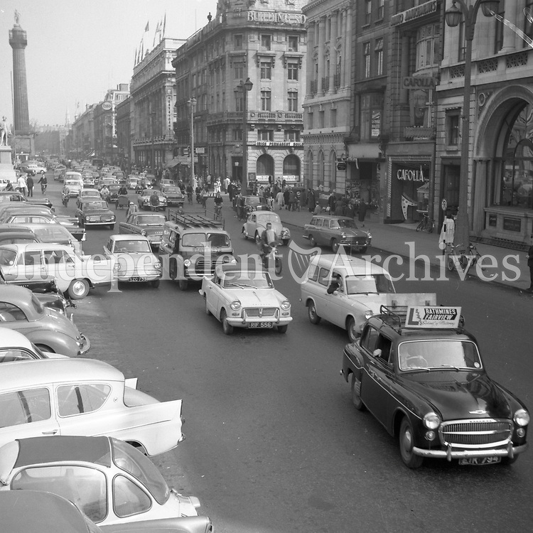 An image of O'Connell St during the bus strike in 1962. <br />