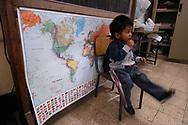 Roma, 17/12/2004: Scuola Elementare &quot;Di Donato&quot;, quartiere Esquilino - Elementary School &quot;Di Donato,&quot; Esquilino area<br /> &copy;Andrea Sabbadini