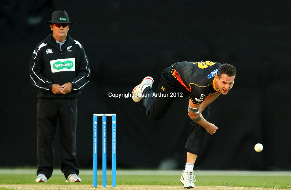 Firebirds' Shaun Tait bowls during the 2012/2013 HRV Cup Twenty20 session. Wellington Firebirds v Canterbury Wizards at Westpac Stadium, Wellington, New Zealand on Friday 9 November 2012. Photo: Justin Arthur / photosport.co.nz