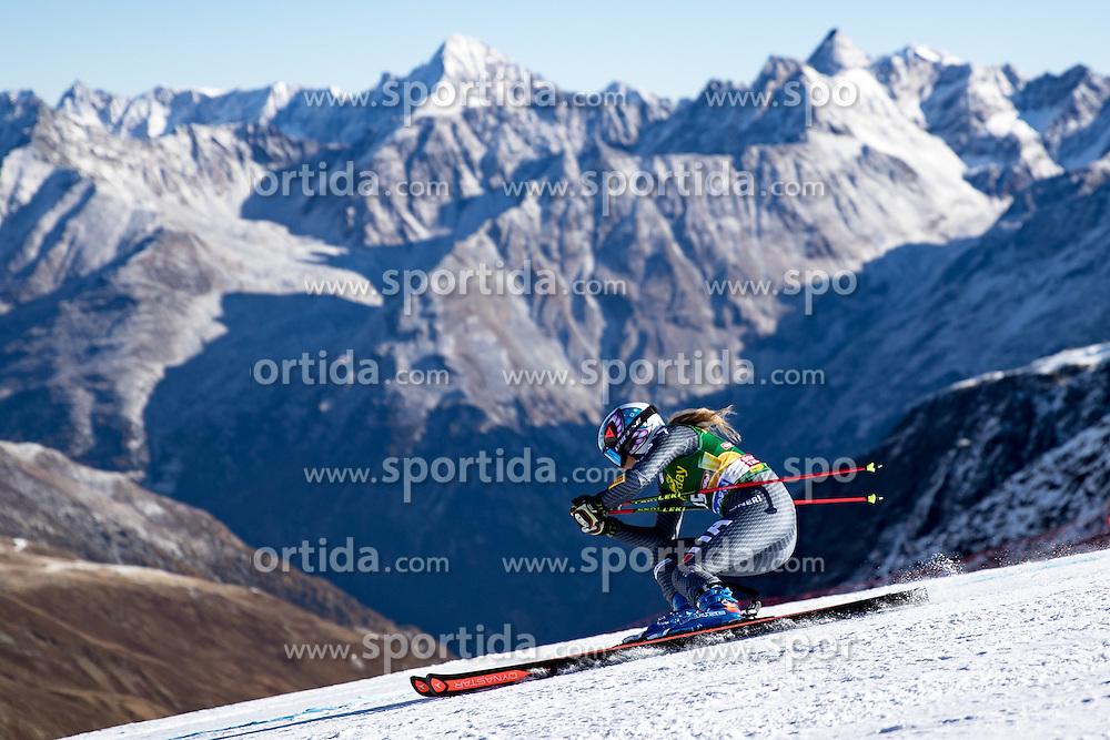 22.10.2016, Rettenbachferner, Soelden, AUT, FIS Weltcup Ski Alpin, Soelden, Riesenslalom, Damen, 1. Durchgang, im Bild Manuela Moelgg (ITA) // Manuela Moelgg of Italy in action during 1st run of ladies Giant Slalom of the FIS Ski Alpine Worldcup opening at the Rettenbachferner in Soelden, Austria on 2016/10/22. EXPA Pictures © 2016, PhotoCredit: EXPA/ Johann Groder