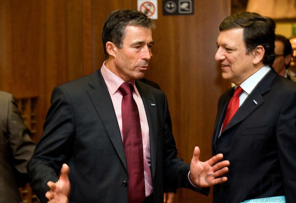 BRUSSELS - BELGIUM - 19 MARCH 2009 --  EU-TOPMOEDE. Statsminister Anders Fogh Rasmussen i samtale med formanden for Europa Kommissionen Jose Manuel Barroso.  Photo: Erik Luntang