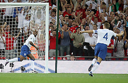04.09.2010, Wembley Stadium, London, ENG, UEFA Euro 2012 Qualification, England v Bulgaria, im Bild Jermain Defoe of England makes 1-0 and celebrates with Steve Gerrard of England and Glen Johnson of England. EXPA Pictures © 2010, PhotoCredit: EXPA/ IPS/ Marcello Pozzetti +++++ ATTENTION - OUT OF ENGLAND/UK +++++ / SPORTIDA PHOTO AGENCY