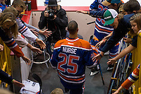 KELOWNA, CANADA - OCTOBER 2: Darnell Nurse #25 of the Edmonton Oilers enters the ice against Los Angeles Kings on October 2, 2016 at Kal Tire Place in Vernon, British Columbia, Canada.  (Photo by Marissa Baecker/Shoot the Breeze)  *** Local Caption *** Darnell Nurse;