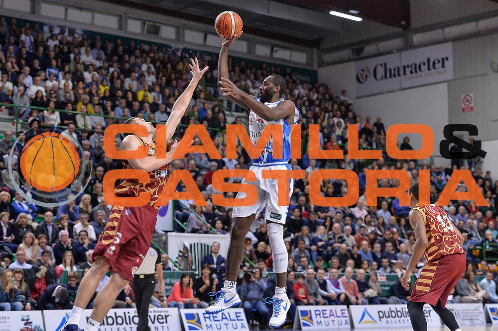 DESCRIZIONE : Campionato 2015/16 Serie A Beko Dinamo Banco di Sardegna Sassari - Umana Reyer Venezia<br /> GIOCATORE : Christian Eyenga<br /> CATEGORIA : Tiro Penetrazione<br /> SQUADRA : Dinamo Banco di Sardegna Sassari<br /> EVENTO : LegaBasket Serie A Beko 2015/2016<br /> GARA : Dinamo Banco di Sardegna Sassari - Umana Reyer Venezia<br /> DATA : 01/11/2015<br /> SPORT : Pallacanestro <br /> AUTORE : Agenzia Ciamillo-Castoria/L.Canu
