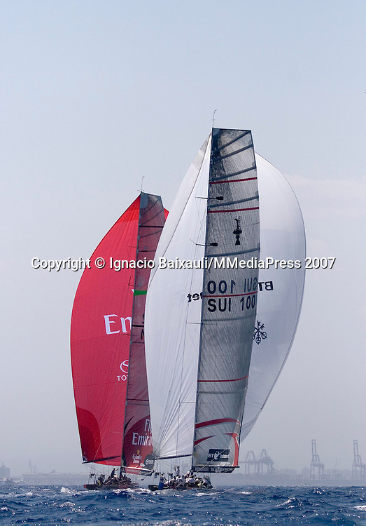 Alinghi SUI100 vs Emirates Team New Zealand NZL92 (Alinghi won)