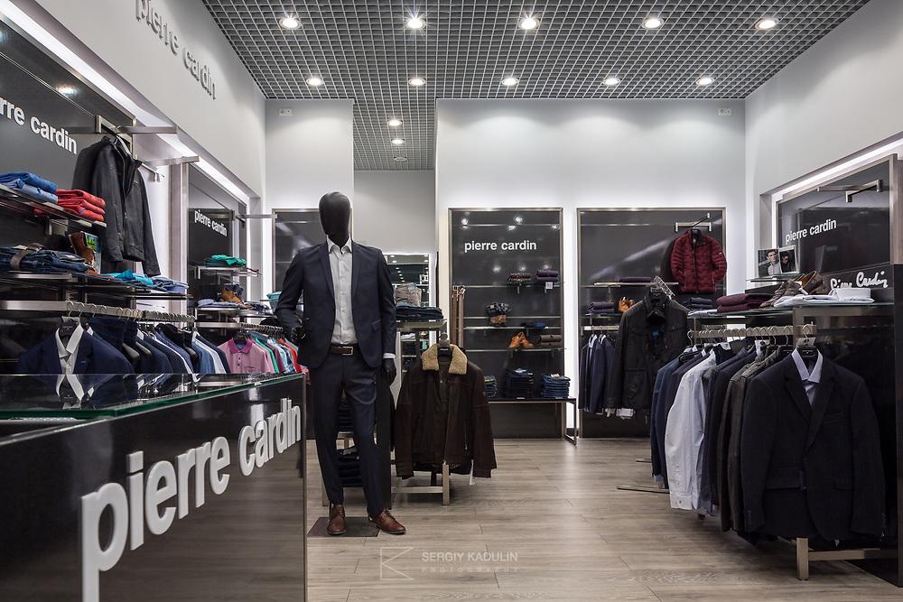 Интерьерная фотосъемка магазина одежды Pierre Cardin, Киев.