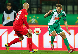 28.11.2013, Ernst Happel Stadion, Wien, AUT, UEFA Europa League, SK Rapid Wien vs FC Thun, Gruppe G, im Bild Thomas Reinmann, (FC Thun, #26) und Guido Burgstaller, (SK Rapid Wien, #30) // during a UEFA Europa League group G game between SK Rapid Vienna and FC Thun at the Ernst Happel Stadion, Wien, Austria on 2013/11/28. EXPA Pictures © 2013, PhotoCredit: EXPA/ Thomas Haumer