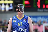 Basketball  1. Bundesliga  2016/2017  Hauptrunde  8. Spieltag  05.11.2016 Walter Tigers Tuebingen - EWE Baskets Oldenburg Gut Geschuetzt; Brian Qvale (Oldenburg) mit Zahnschutz und Gesichtsmaske