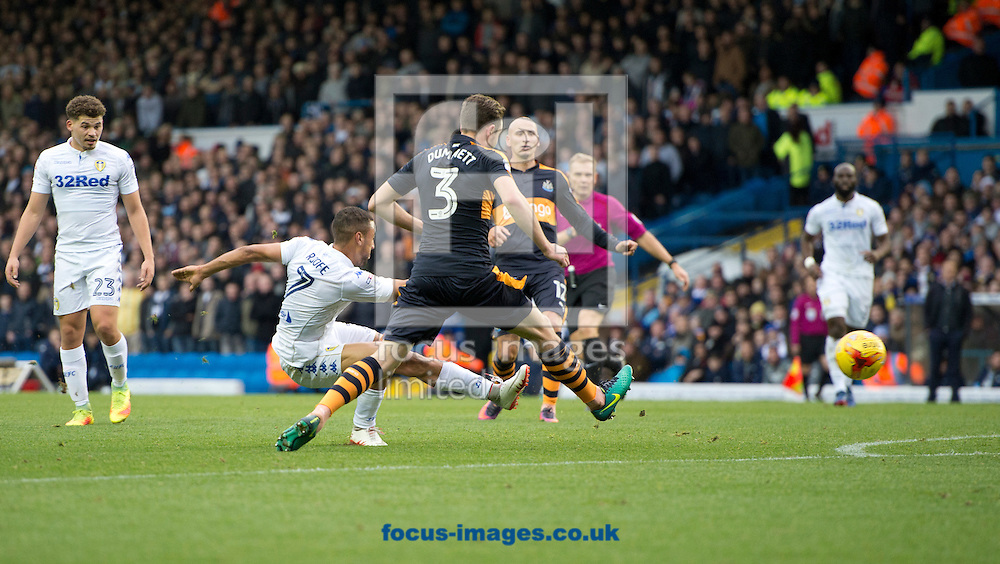 Kemar Roofe of Leeds United shoots at goal during the Sky Bet Championship match at Elland Road, Leeds<br /> Picture by Russell Hart/Focus Images Ltd 07791 688 420<br /> 20/11/2016