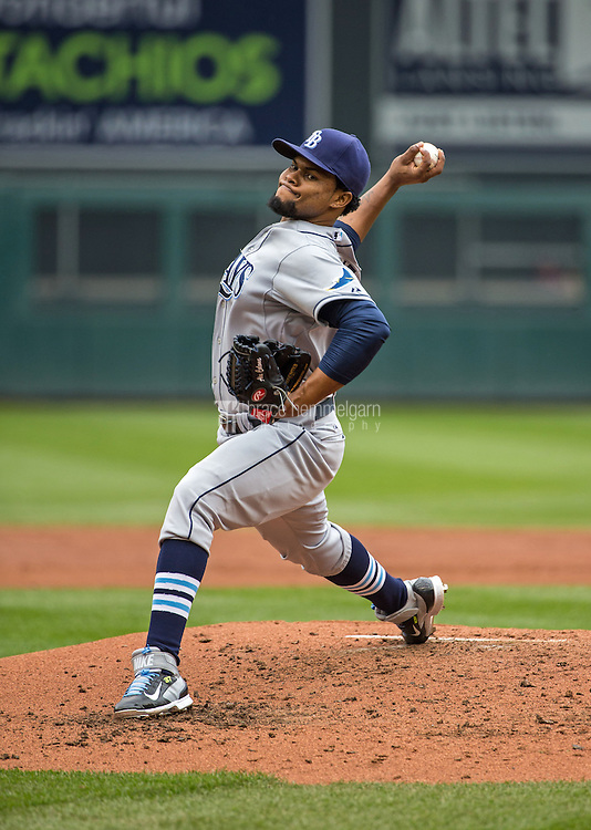 MINNEAPOLIS, MN- MAY 16: Alex Colome #37 of the Tampa Bay Rays pitches against the Minnesota Twins on May 16, 2015 at Target Field in Minneapolis, Minnesota. The Twins defeated the Rays 6-4. (Photo by Brace Hemmelgarn) *** Local Caption *** Alex Colome