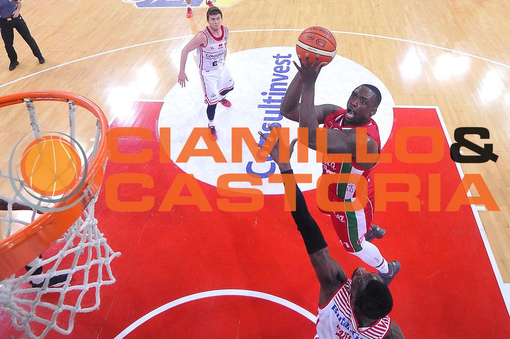 Rakim Sanders<br /> Consultinvest Victoria Libertas Pesaro - EA7 Emporio Armani Olimpia MIlano<br /> Lega Basket Serie A 2016/2017<br /> Pesaro, 30/04/2017<br /> Foto M.Ceretti / Ciamillo - Castoria