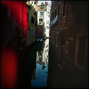 Italie, Venise, Castello..CCanal avec un reflet..© Jean-Patrick Di Silvestro