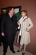 Ken Butler and Sophie de Stempel, David Hockney exhibition opening, Annely Juda Gallery. 15 January 2003. © Copyright Photograph by Dafydd Jones 66 Stockwell Park Rd. London SW9 0DA Tel 020 7733 0108 www.dafjones.com