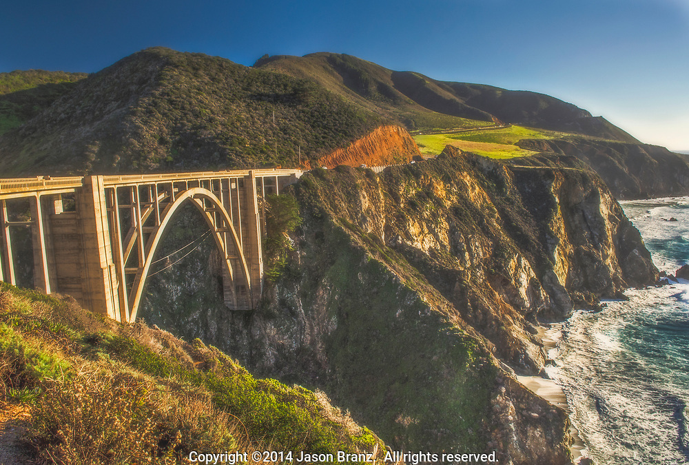 Bixby Bridge and sea cliffs along Highway 1, Big Sur Coast, California.