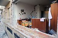 L'Aquila 6 Aprile 2009.Terremoto all'Aquila.Palazzo lesionato  in via XX Settembre.Earthquake to the city of L'Aquila.Building damaged at the street XX Settembre.