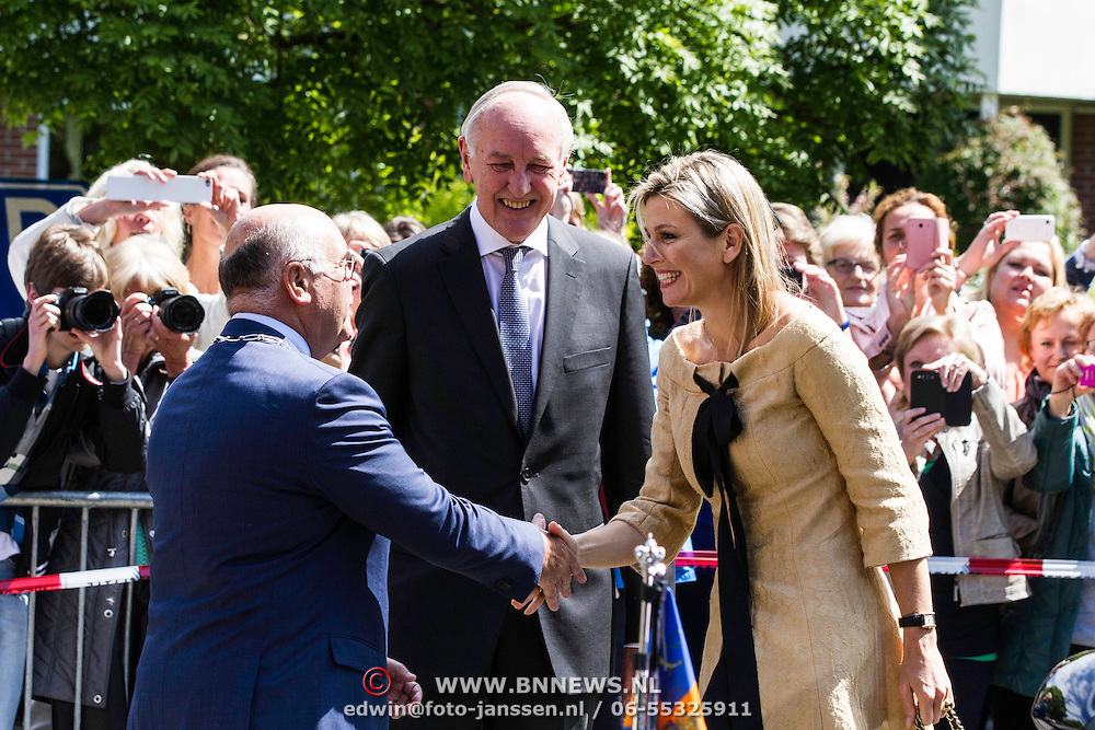 NLD/Huizen/20140515 -  Koningin Maxima woont jubileumconcert Stichting Muziek in Huis bij in Huizen<br /> <br />                                                                         <br /> Queen Maxima at the 15th anniversary and 7500 ste concert of the Music in House Foundation at the Elderly home De Bolder in Huizen