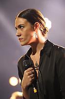 Nadine Shah performing