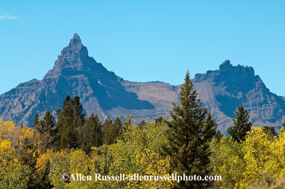 Pilot and Index Peaks, Absaroka Range, Shoshone National Forest, Wyoming, viewed from  Beartooth Scenic Byway, landmark