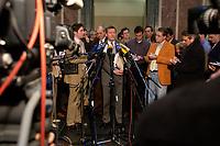 12 DEC 2003, BERLIN/GERMANY:<br /> Wilhelm Schmidt, SPD, 1. Parl. Geschaeftsfuehrer SPD BT-Fraktion,  gibt ein Pressestatement, Sitzung des Vermittlungsausschusses, Bundesrat<br /> IMAGE: 20031212-01-085<br /> KEYWORDS: Mikrofon, microphone, Pressekonferenz, Journalist, Journalisten
