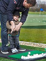 AMSTELVEEN - les , golfles, instructie. Open Golfdag op Amsteldijk Golfcentrum. FOTO KOEN SUYK