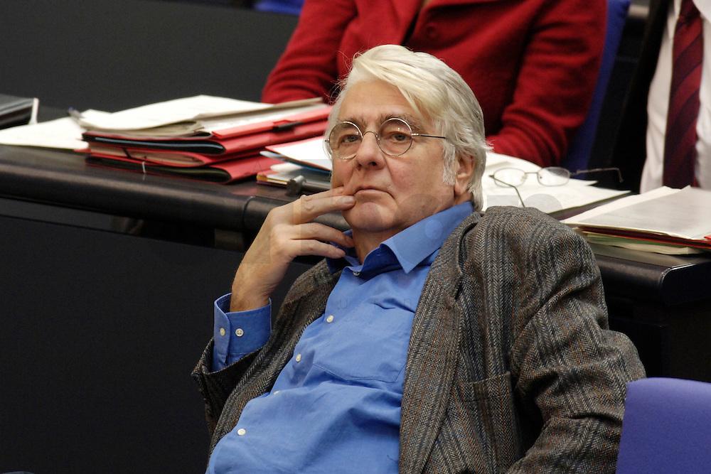 09 FEB 2006, BERLIN/GERMANY:<br /> Dr. Herbert Schul, MdB, Die Linke, Wirtschaftswissenschaftler, waehrend einer Bundestagsdebatte, Plenum, Deutscher Bundestag<br /> IMAGE: 20060209-02-004