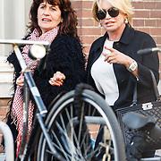 NLD/Amsterdam/20160314 - Voormalig zangeres Conny Witteman met vriendin winkelend in Amsterdam
