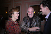 Joan Bakewell and Clive James. The Oldie Of The Year Awards,  Simpsons in the Strand, London. 22 March 2005. ONE TIME USE ONLY - DO NOT ARCHIVE  © Copyright Photograph by Dafydd Jones 66 Stockwell Park Rd. London SW9 0DA Tel 020 7733 0108 www.dafjones.com
