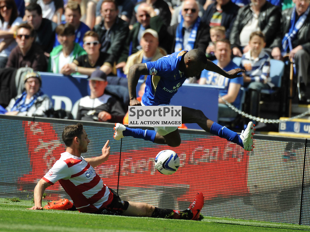 dONCASTER DEFENCE hOLD BACK llEICESTERS LOYD Dyer Leicester City v Doncaster, Sky Bet Championship Saturday 3rd May 2014