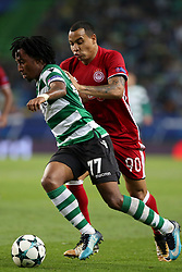 November 22, 2017 - Lisbon, Portugal - Sporting's forward Gelson Martins from Portugal (L) fights for the ball with Olympiacos' Colombian midfielder Felipe Pardo during the UEFA Champions League group D football match Sporting CP vs Olympiacos FC at Alvalade stadium in Lisbon, Portugal on November 22, 2017. Photo: Pedro Fiuza  (Credit Image: © Pedro Fiuza/NurPhoto via ZUMA Press)