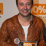 NLD/Amsterdam/20140205 - Uitreiking 100% NL Awards 2013, Niels Geusebroek met zijn award