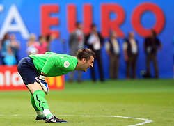 Goalkeeper of Croatia Stipe Pletikosa at the beginning of the UEFA EURO 2008 Group B soccer match between Austria and Croatia at Ernst-Happel Stadium, on June 8,2008, in Vienna, Austria.  (Photo by Vid Ponikvar / Sportal Images)