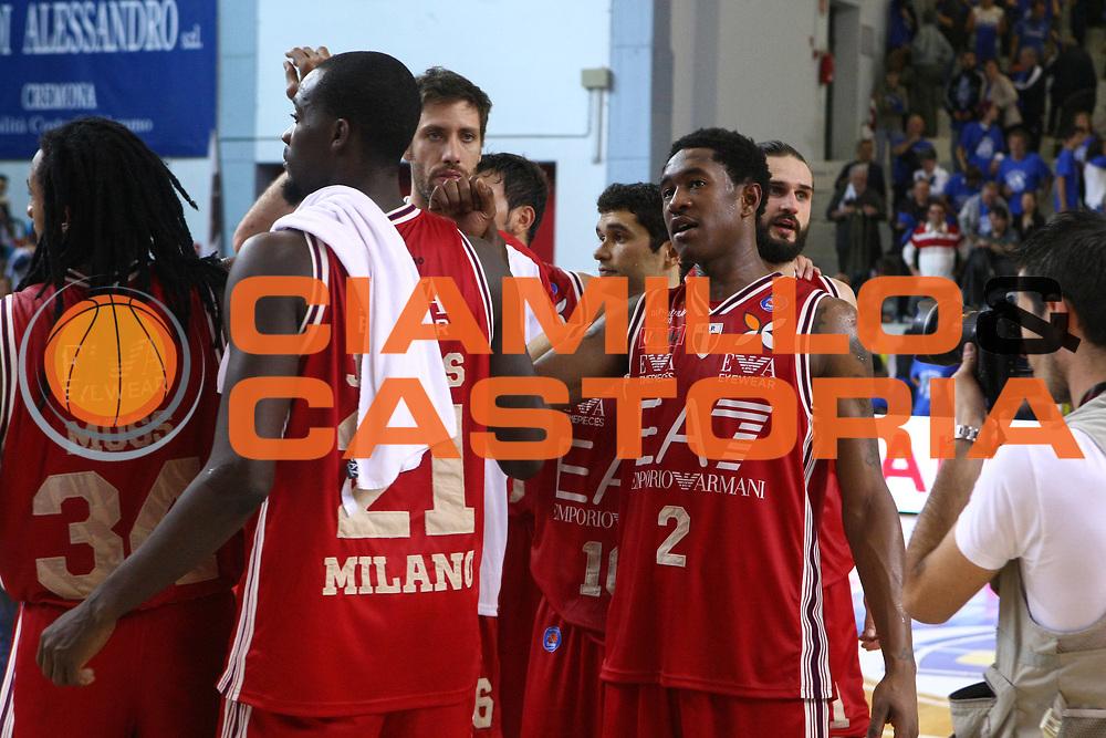 DESCRIZIONE : Cremona Lega A 2014-2015 Vanoli Cremona EA7 Emporio Armani Milano<br /> GIOCATORE : Team Milano<br /> SQUADRA : EA7 Emporio Armani Milano<br /> EVENTO : Campionato Lega A 2014-2015<br /> GARA : Vanoli Cremona EA7 Emporio Armani Milano<br /> DATA : 11/10/2014<br /> CATEGORIA : Ritratto Esultanza<br /> SPORT : Pallacanestro<br /> AUTORE : Agenzia Ciamillo-Castoria/F.Zovadelli<br /> GALLERIA : Lega Basket A 2014-2015<br /> FOTONOTIZIA : Cremona Campionato Italiano Lega A 2014-15 Vanoli Cremona EA7 Emporio Armani Milano<br /> PREDEFINITA : <br /> F Zovadelli/Ciamillo