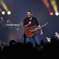 Blake Shelton performs to a packed crowd on Friday at the Denny Sanford Premier Center in Sioux Falls.