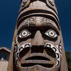 Totem Pole by Robert Cook, Eastsound, Orcas Island, San Juan Islands, Washington, US